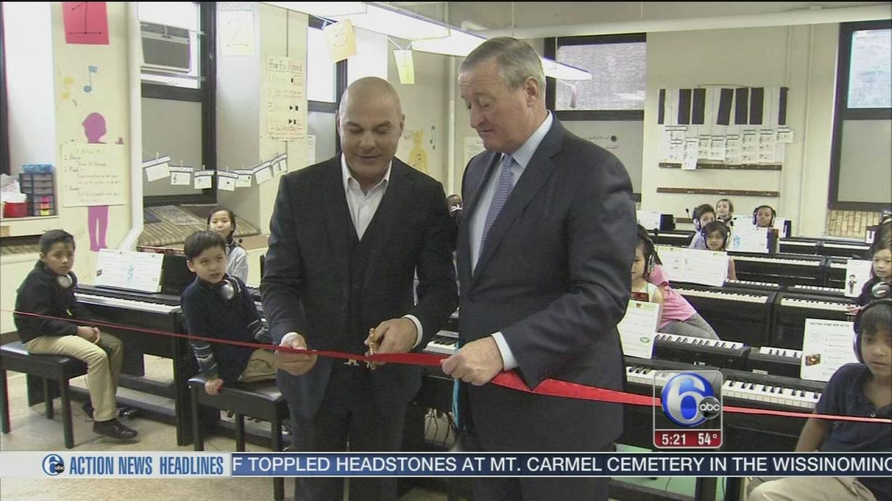 Mayor Kenney tours Piano Lab