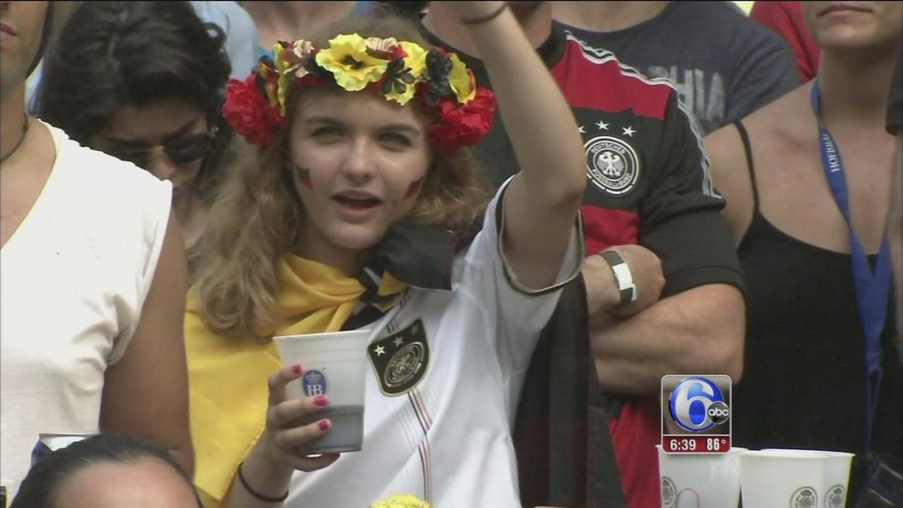 VIDEO: Center City fans cheer on World Cup Final