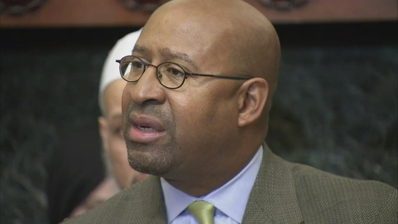 Controller: Fmr. Mayor Nutter, others owe Philly $200,000