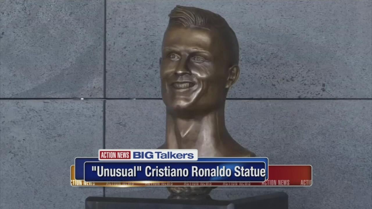 BT - Ronaldo Statue