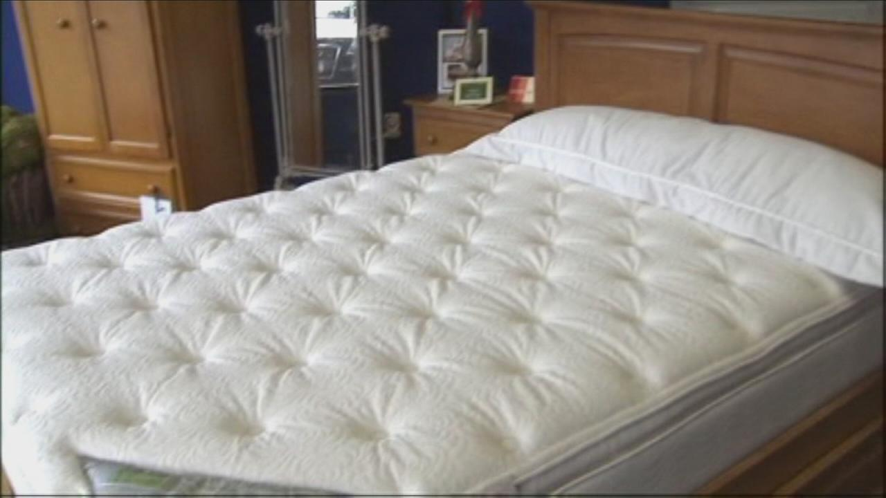 VIDEO: Would you buy a floor model mattress?