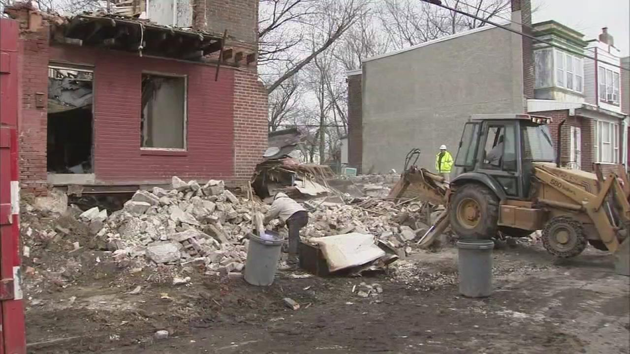 Man rescued from SW Philadelphia house collapse