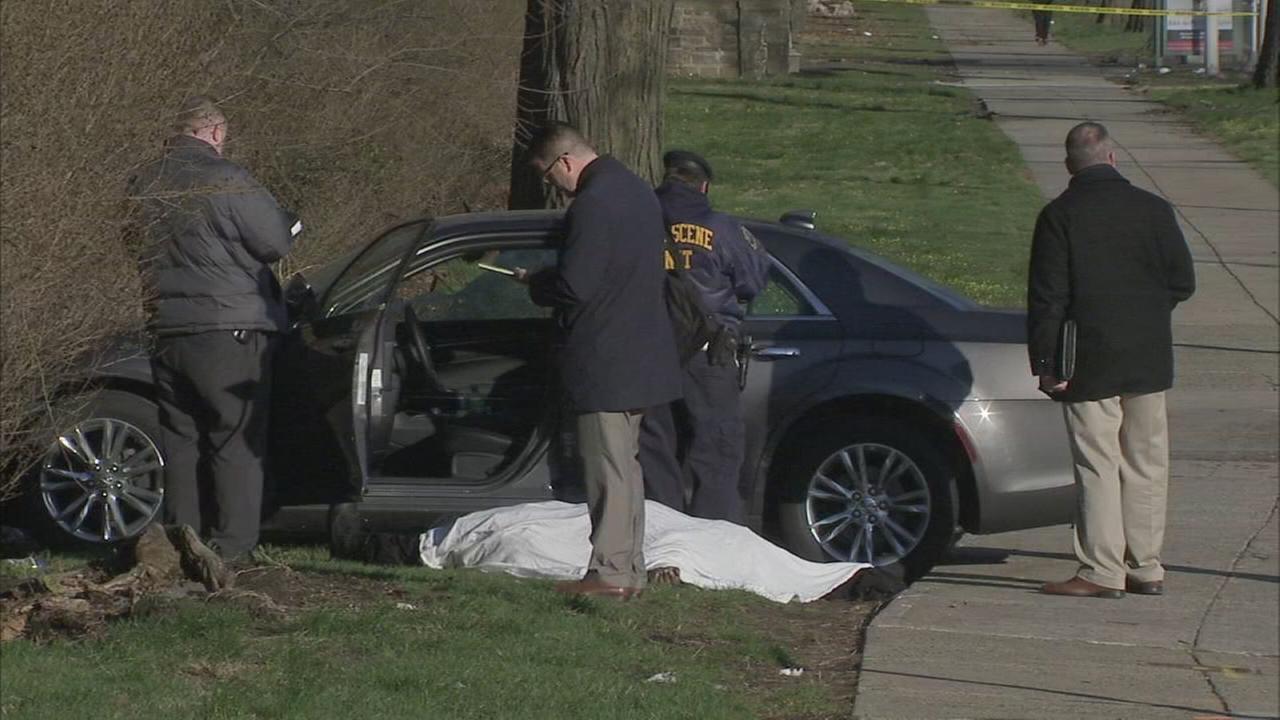 Man shot dead in car, crashes on Roosevelt Boulevard