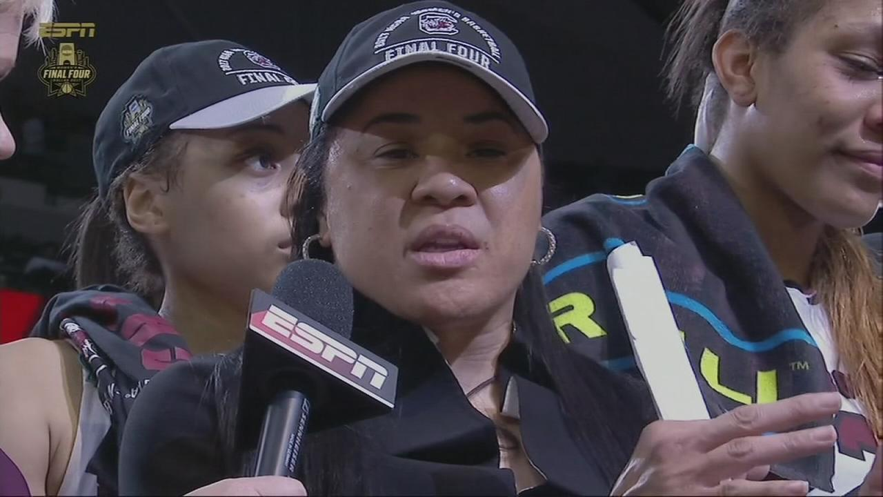 Dawn Staley remembers her Temple roots in big win
