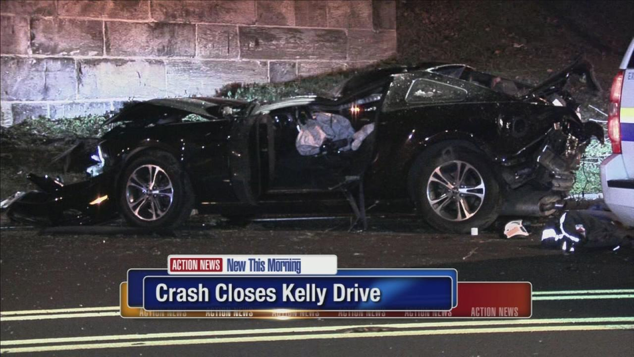 3 injured after overnight crash on Kelly Drive