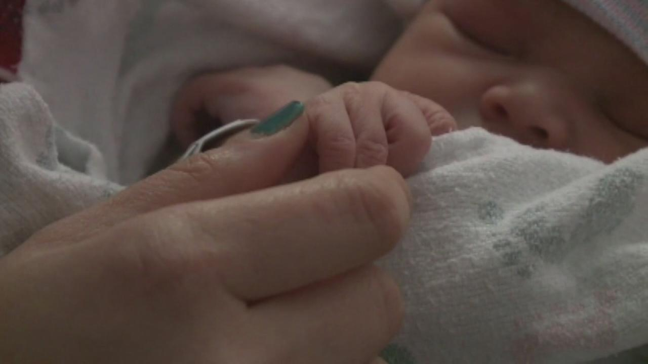 California woman delivers neighbors baby