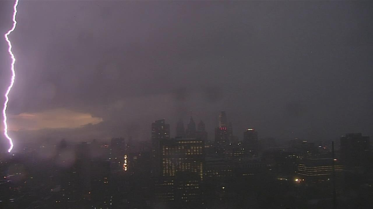 VIDEO: Lightning lights up the Philly skyline