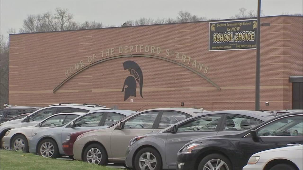Fight involving weight investigated in NJ school