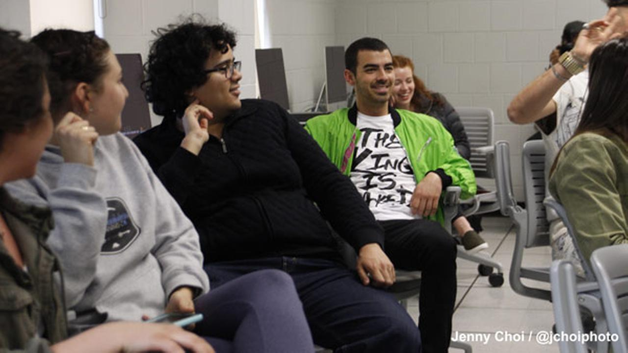 Joe Jonas, DNCE surprise Temple University class