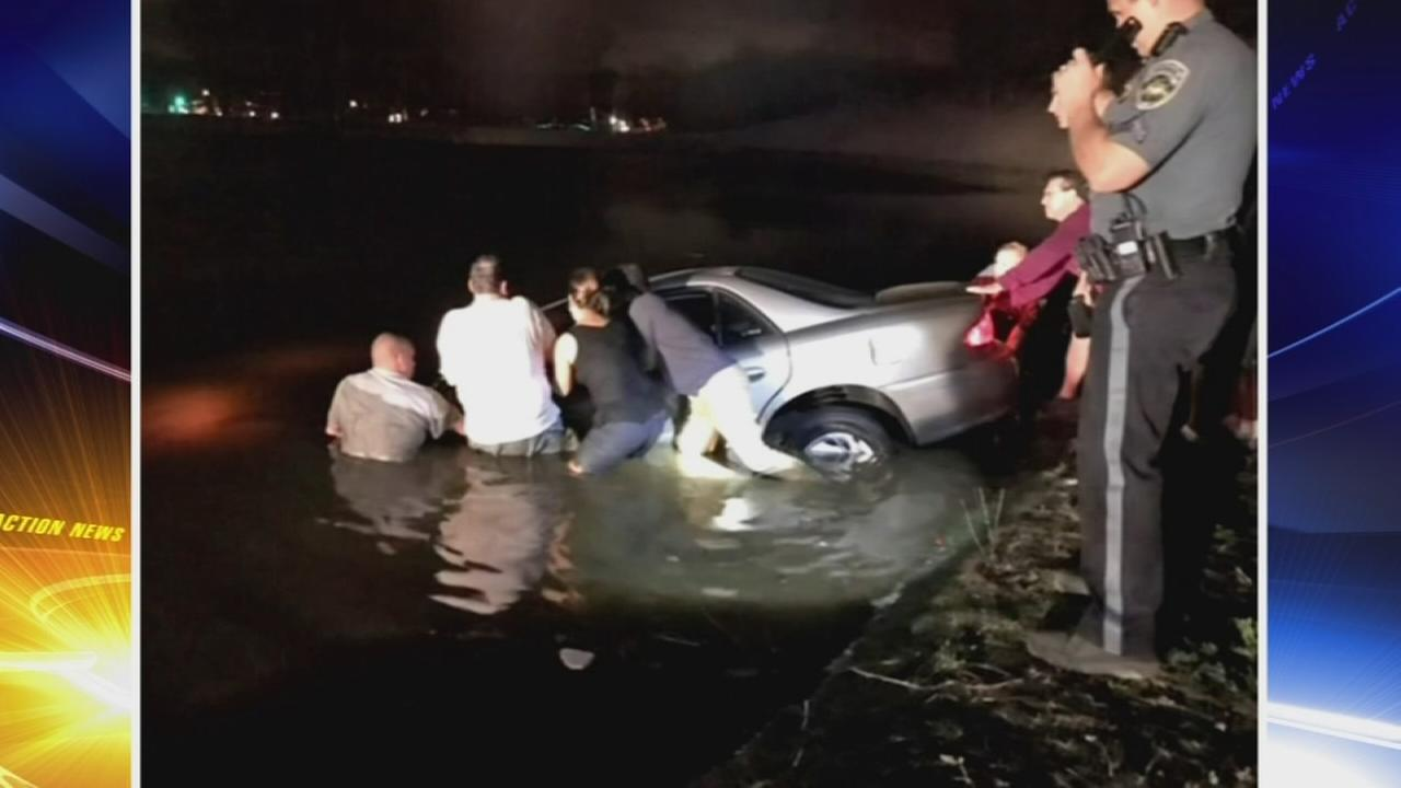 VIDEO: Driver rescued from pond in North Jersey