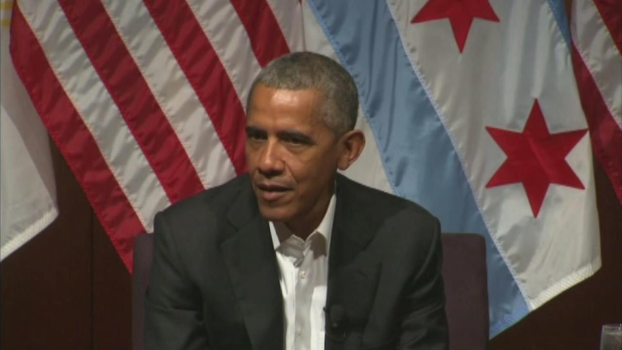 Obama offers advice in first public post-presidency event