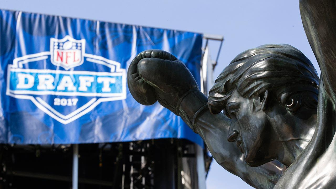 Road closure, parking, and mass transit info for 2017 NFL Draft in Philadelphia