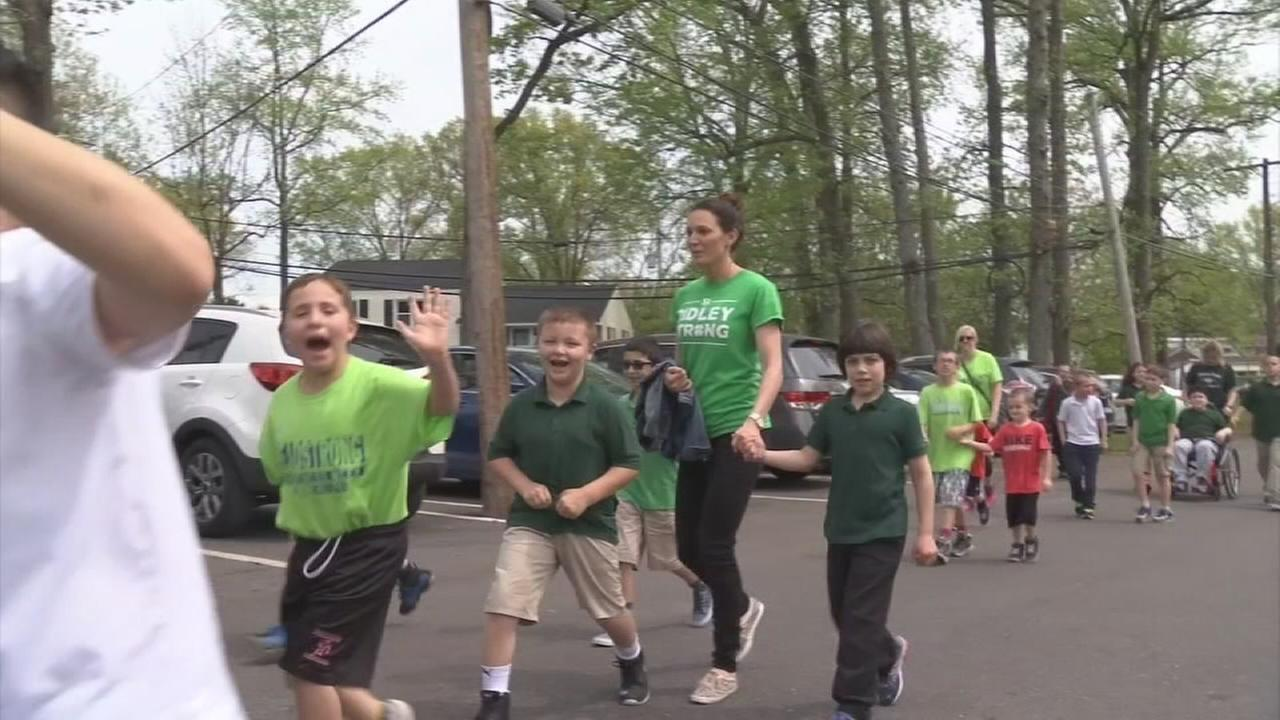 Kids walk for cancer in Delaware County