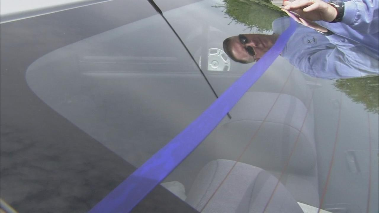 VIDEO: Hundreds add blue line to cars honoring Cpl. Ballard