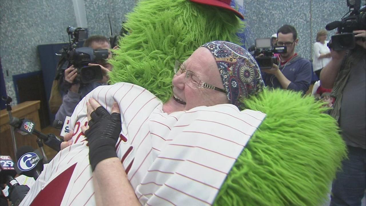 VIDEO: Teacher battling cancer gets surprise from Phillies