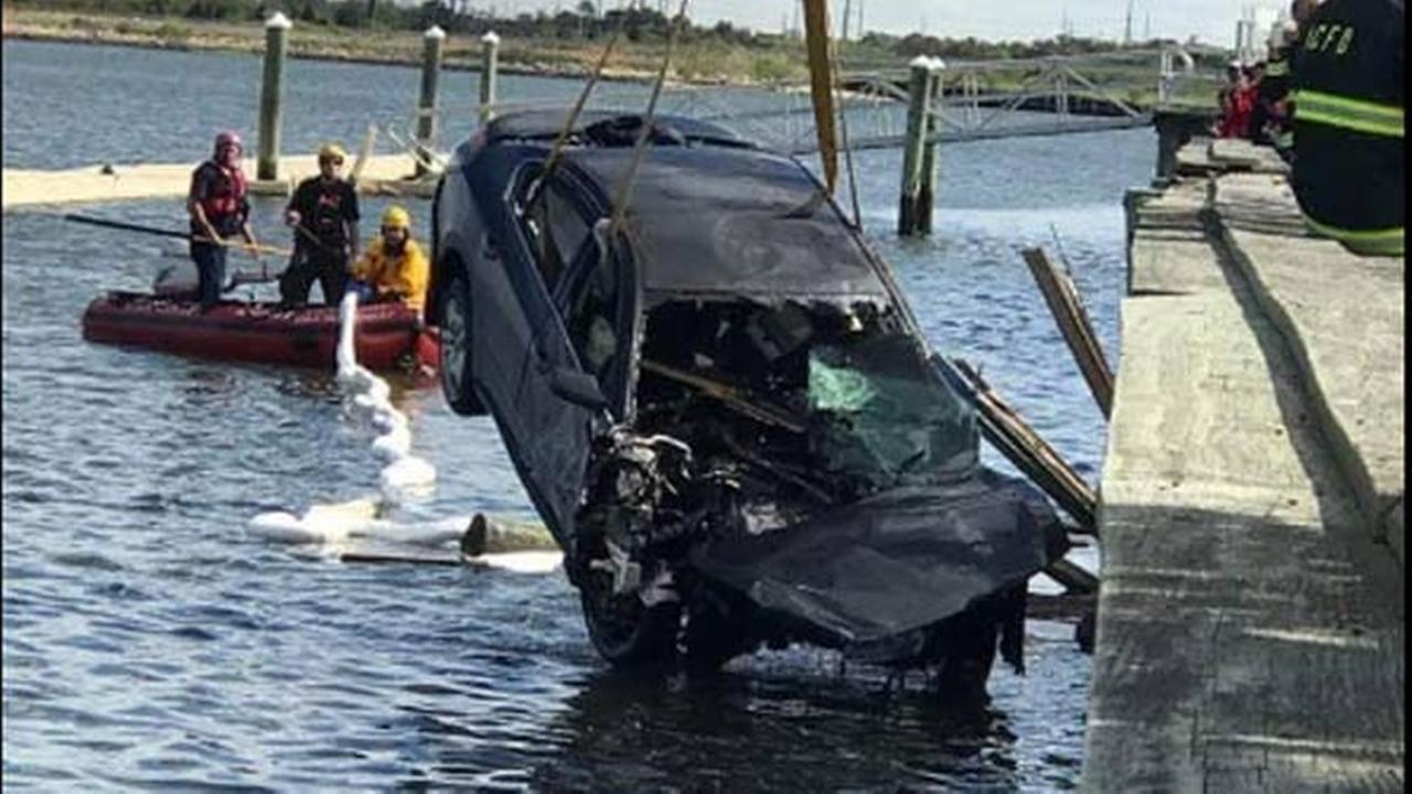 1 critical after SUV crashes into Atlantic City bay