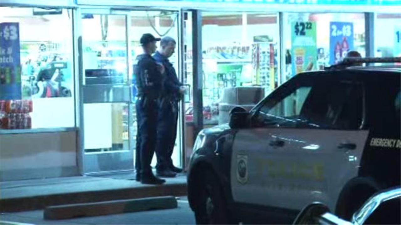 Gunmen sought in 7-Eleven robbery in Wilmington