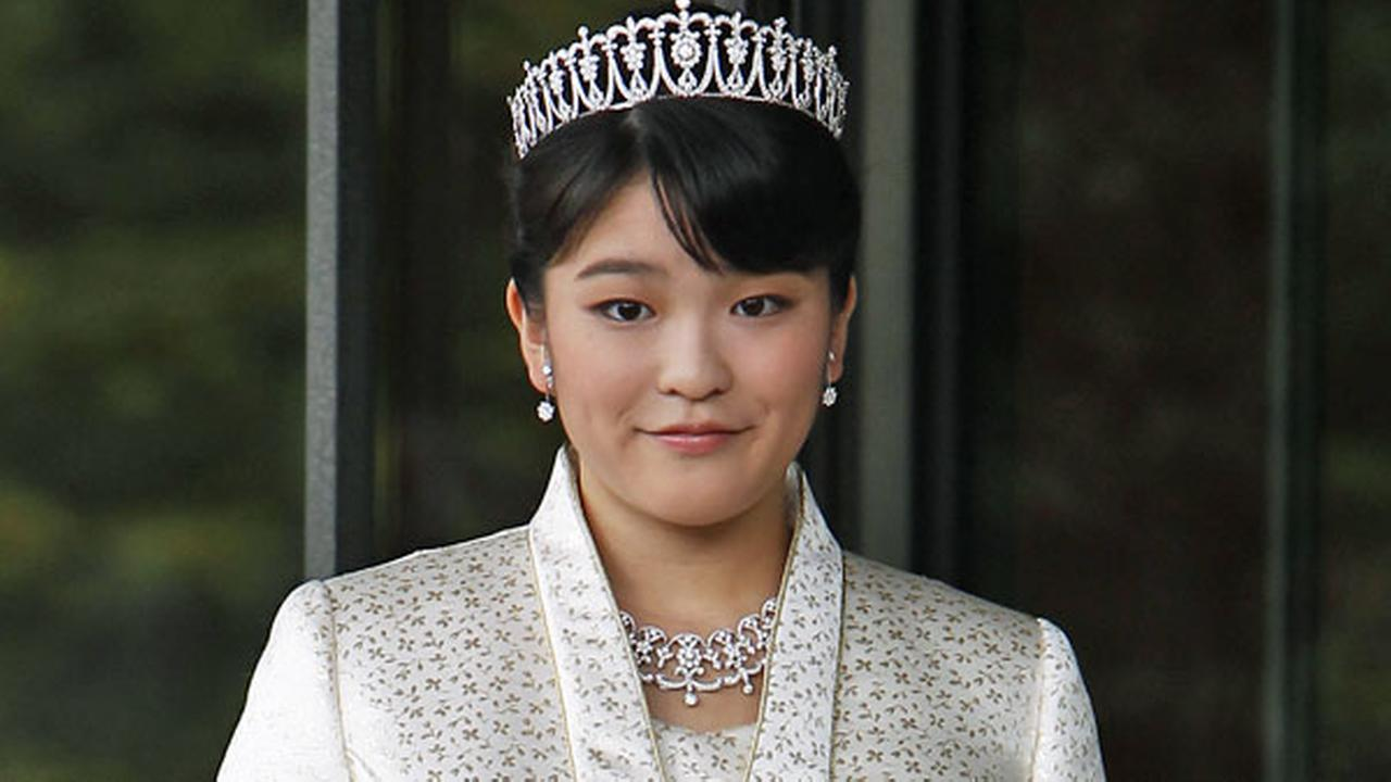 FILE - Japans Princess Mako, the first daughter of Prince Akishino and Princess Kiko, poses for photos at Imperial Palace in Tokyo Sunday, Oct. 23, 2011.