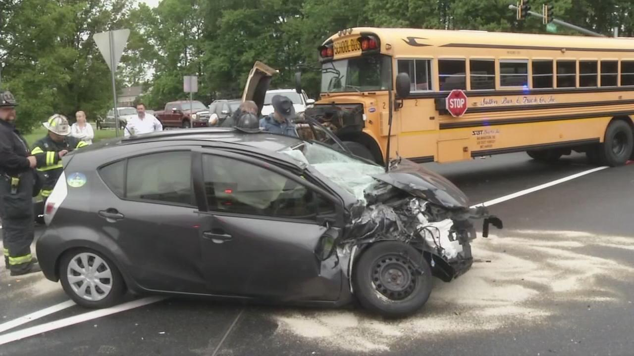 Car driver cited after crash with school bus in Del.