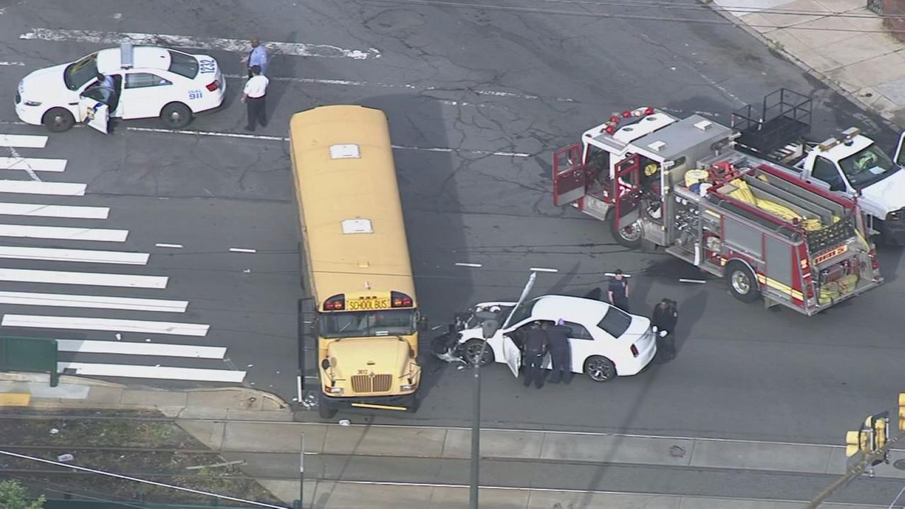 2 hurt in school bus crash