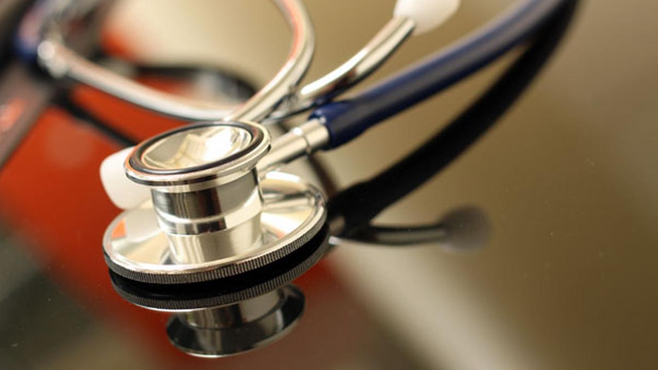 Nursing assistant accused of breaking leg of 98-year-old
