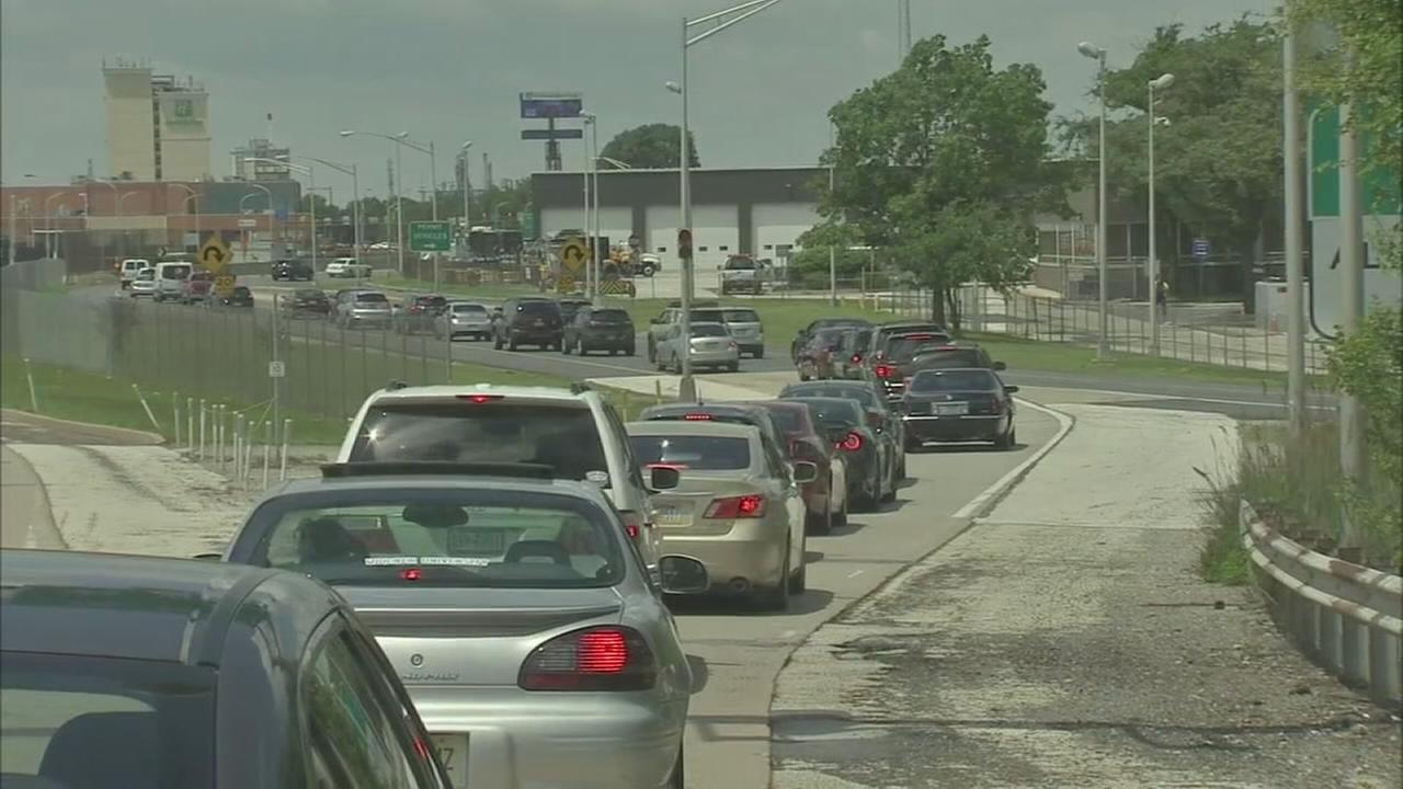 Folks hit the roads for Memorial Day weekend