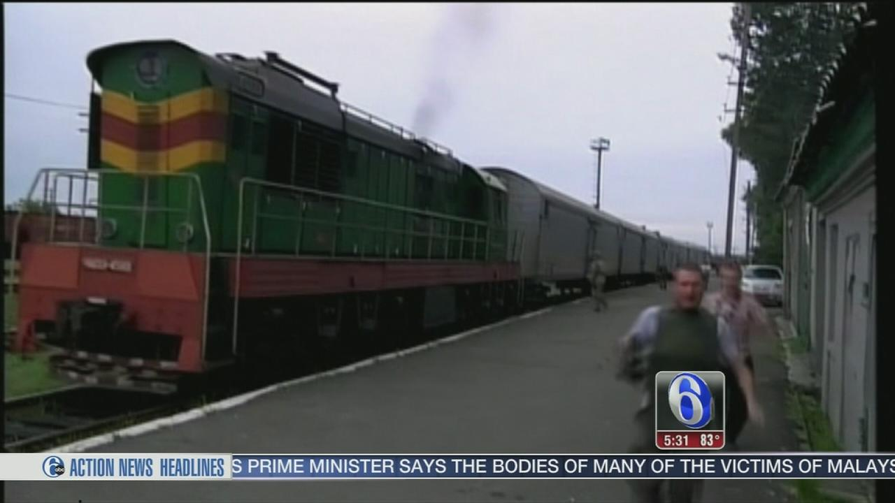 VIDEO: Train with plane crash bodies leaves rebel town
