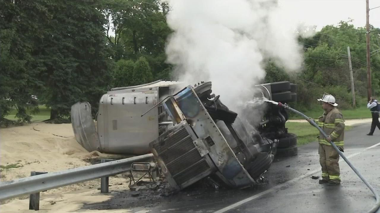 Truck erupts in flames after crash in New Castle Co.