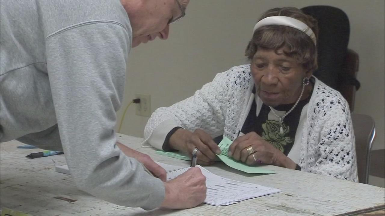 96-year-old New Jersey poll worker inspires