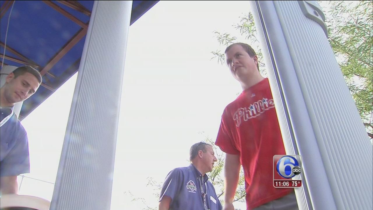 VIDEO: Metal detectors at Phillies game