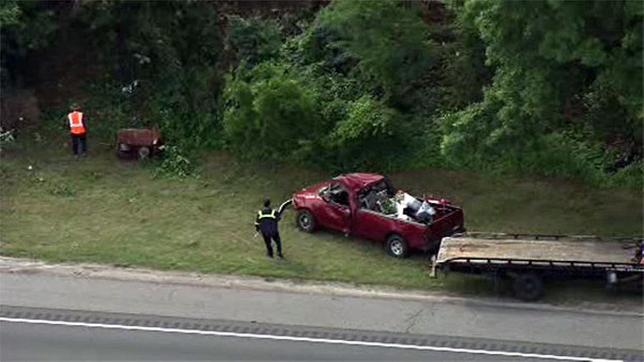 Pickup truck crashes on I-295 in Logan Township, N.J.