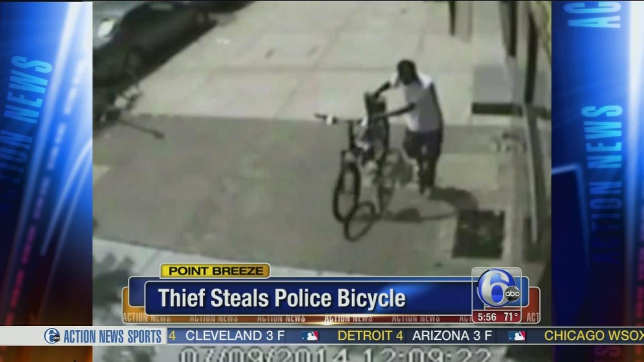 VIDEO: Thief steals police bicycle