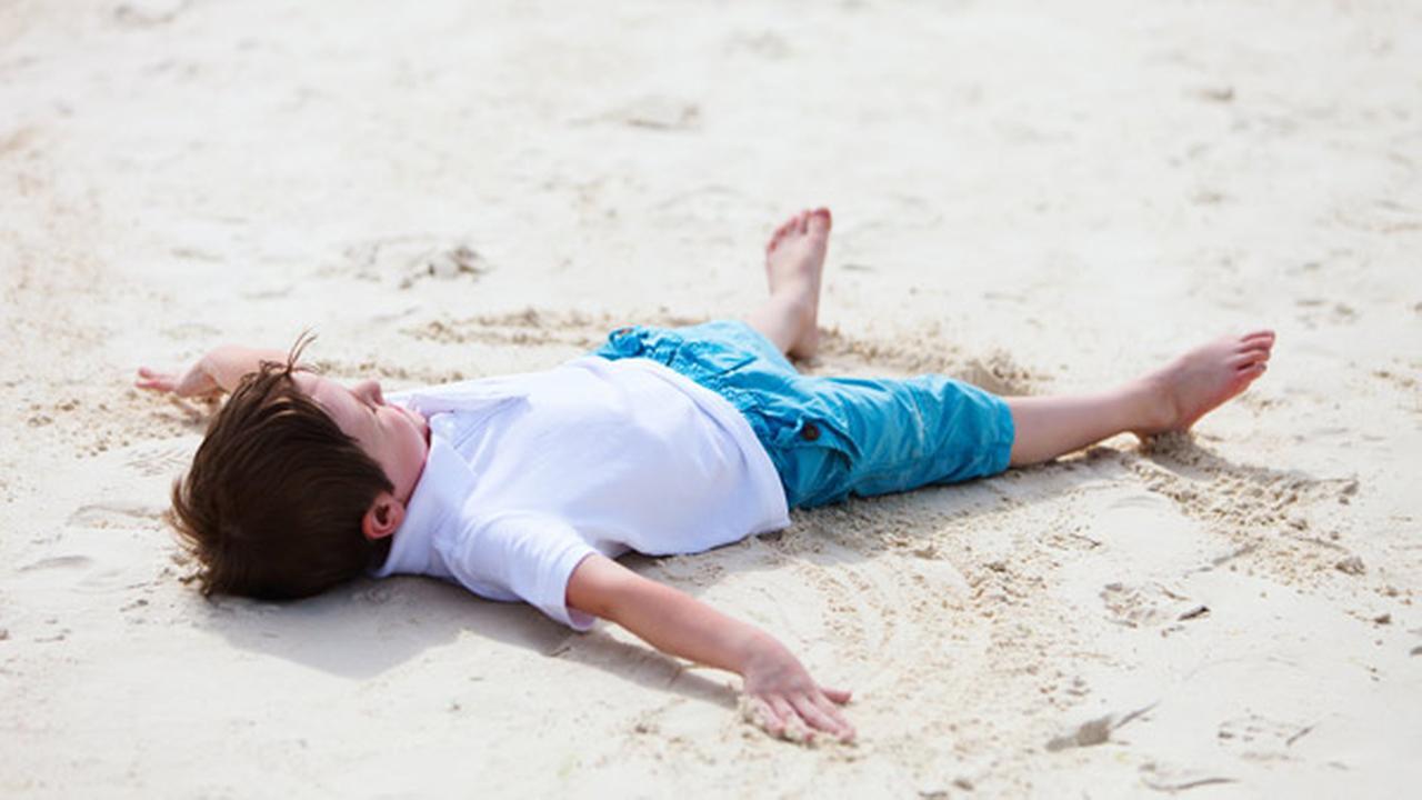 Michigan city breaks sand angel world record