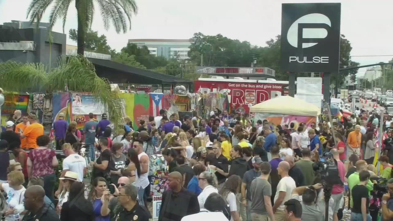 Hundreds reflect on anniversary of Pulse nightclub shooting