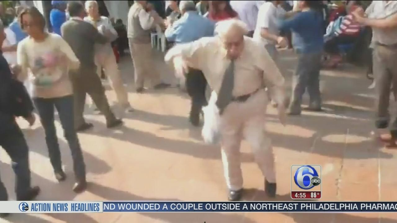 VIDEO: Dancing grandpa takes spotlight at wedding