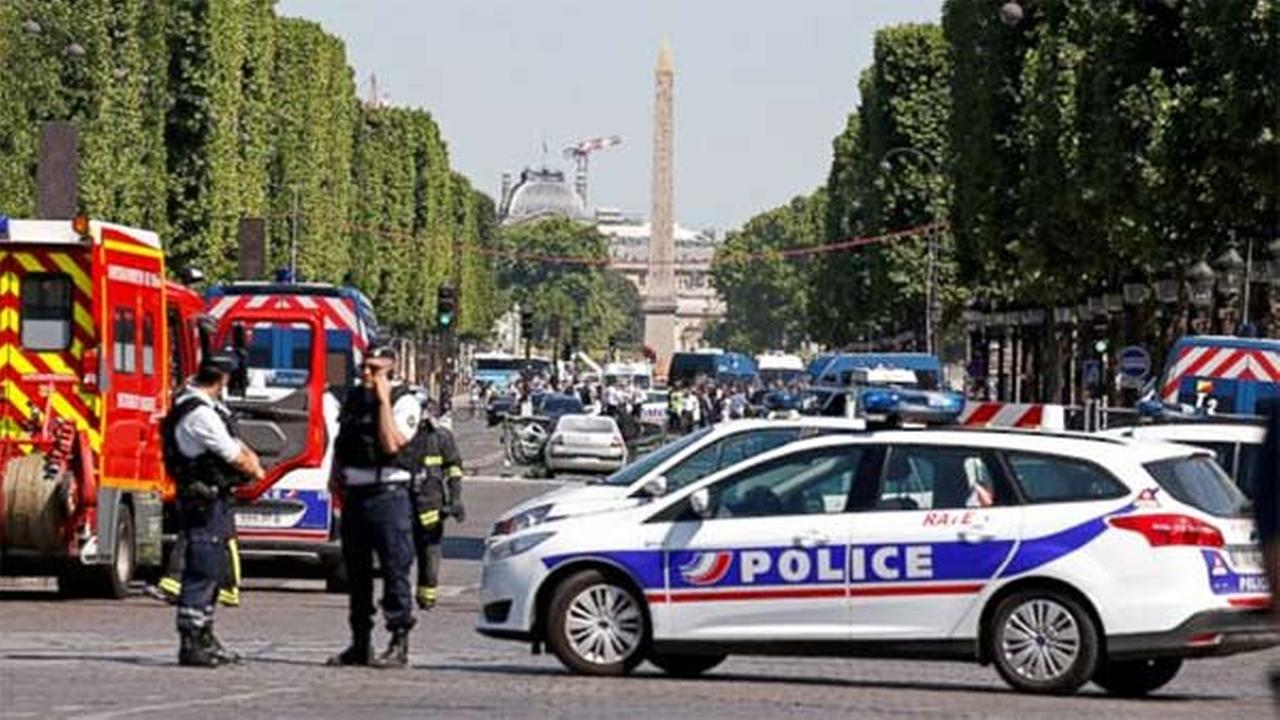 Paris attacker had gun permit despite being on terror watch list
