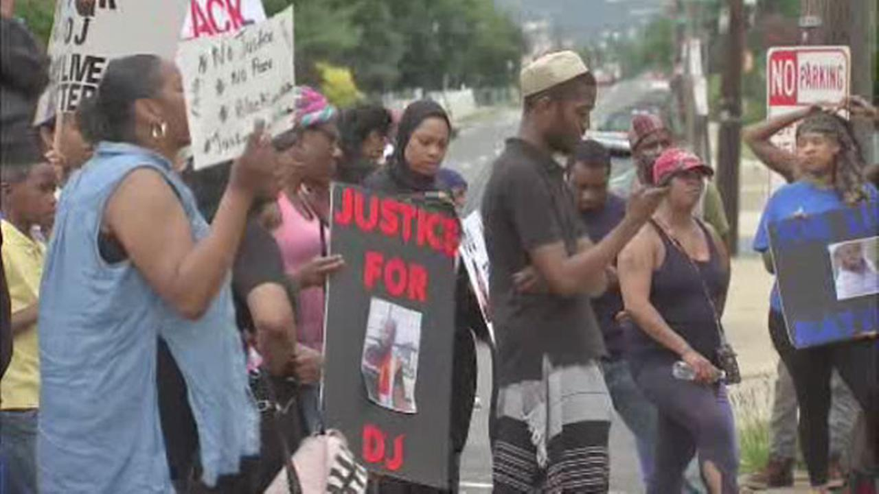 Protesters call for justice in shooting death of David Jones