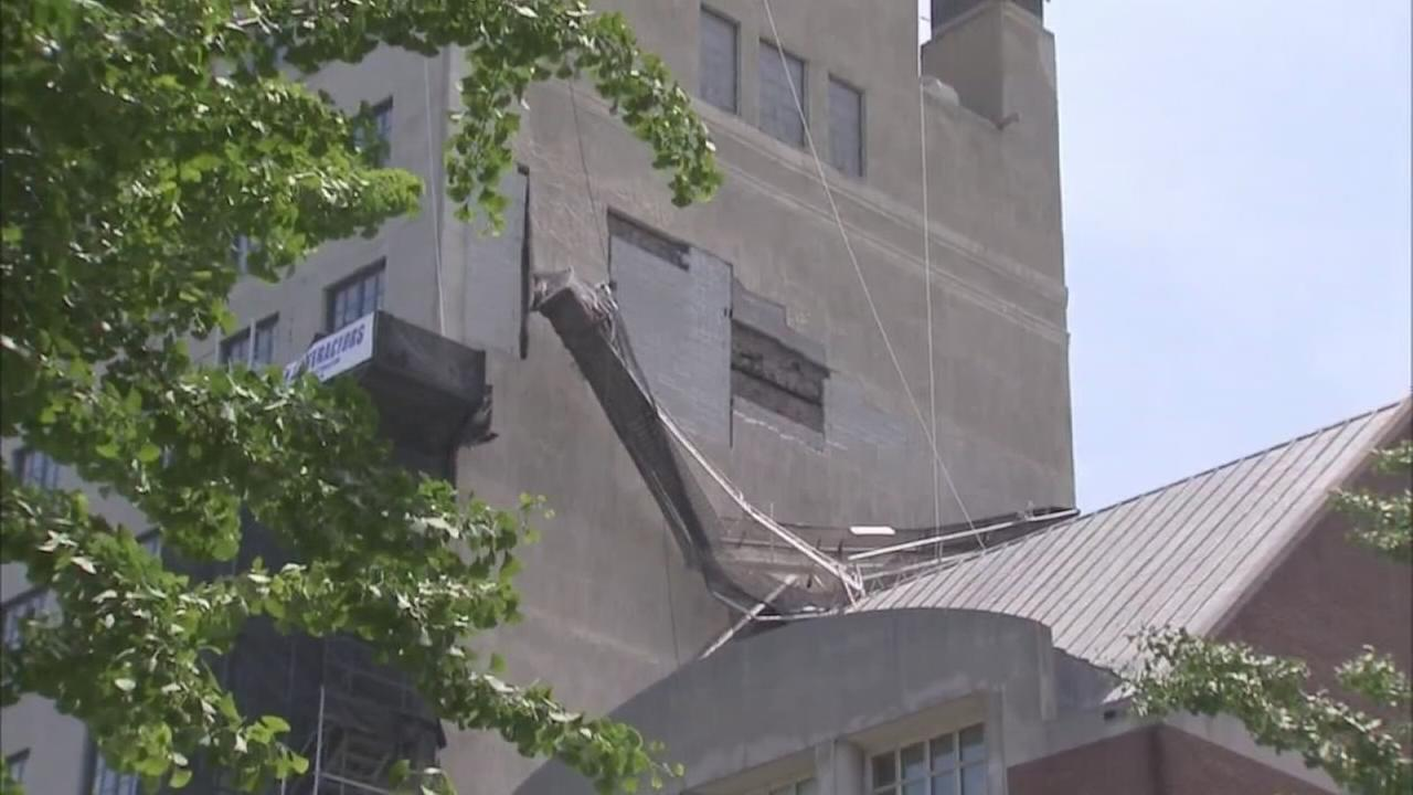 VIDEO: 2 workers hurt in scaffold collapse in Center City Philadelphia