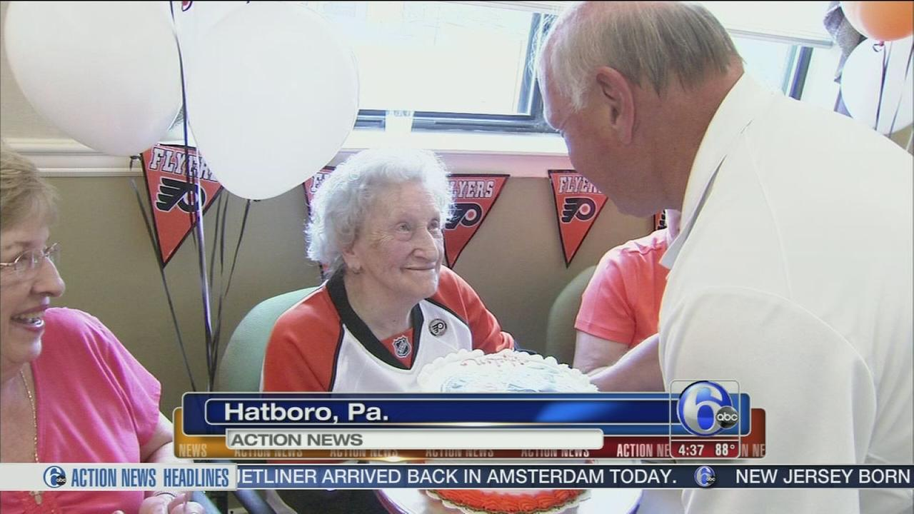 VIDEO: Flyers fan gets special visit on 104th birthday