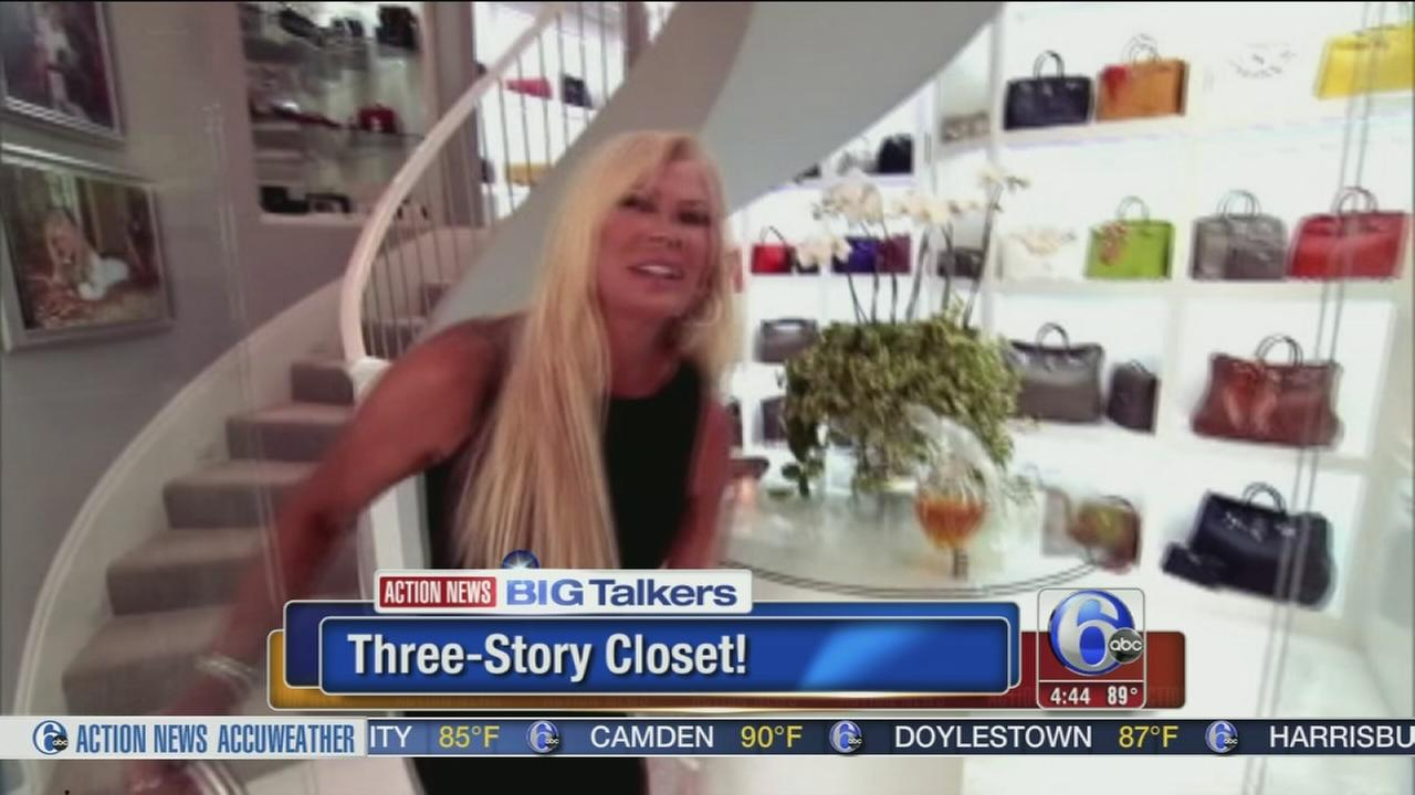 VIDEO: Fashionista shows off 3,000 sq. foot closet