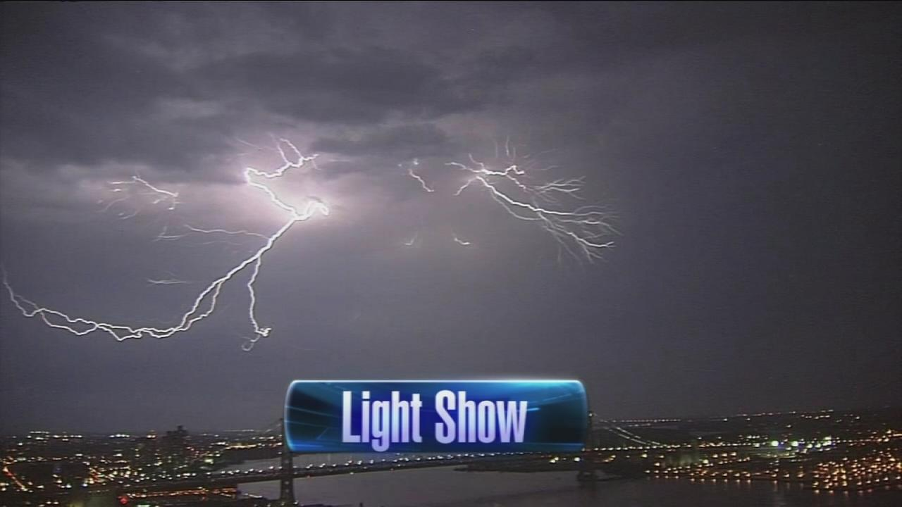 VIDEO: Lightning show in the sky