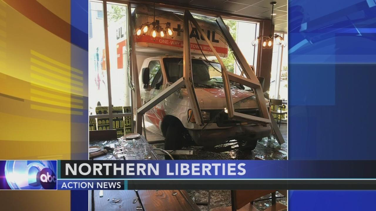 Driver flees after U-Haul hits restaurant in NoLibs (VIDEO)