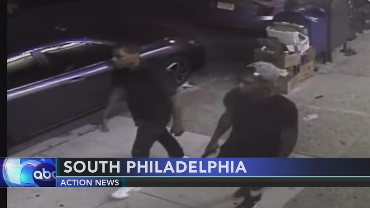 Police search for South Philadelphia robbery suspects