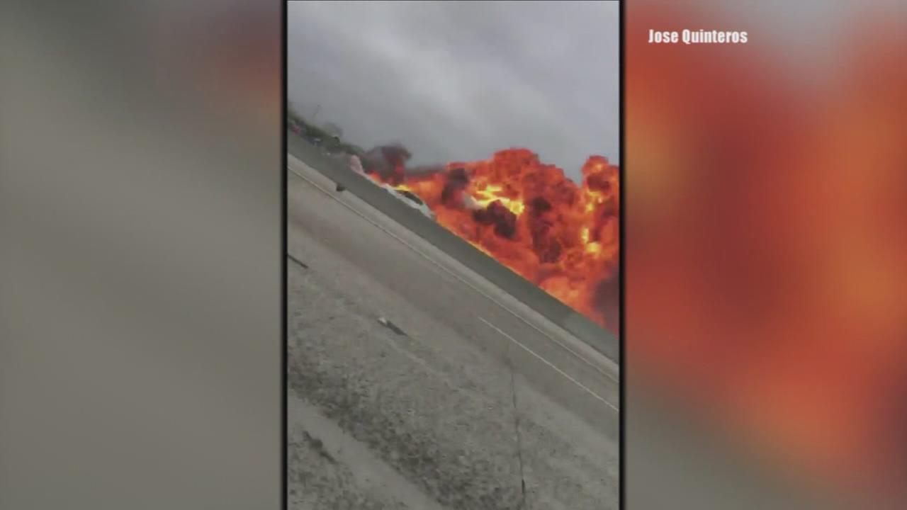 2 injured in fiery plane crash on California freeway