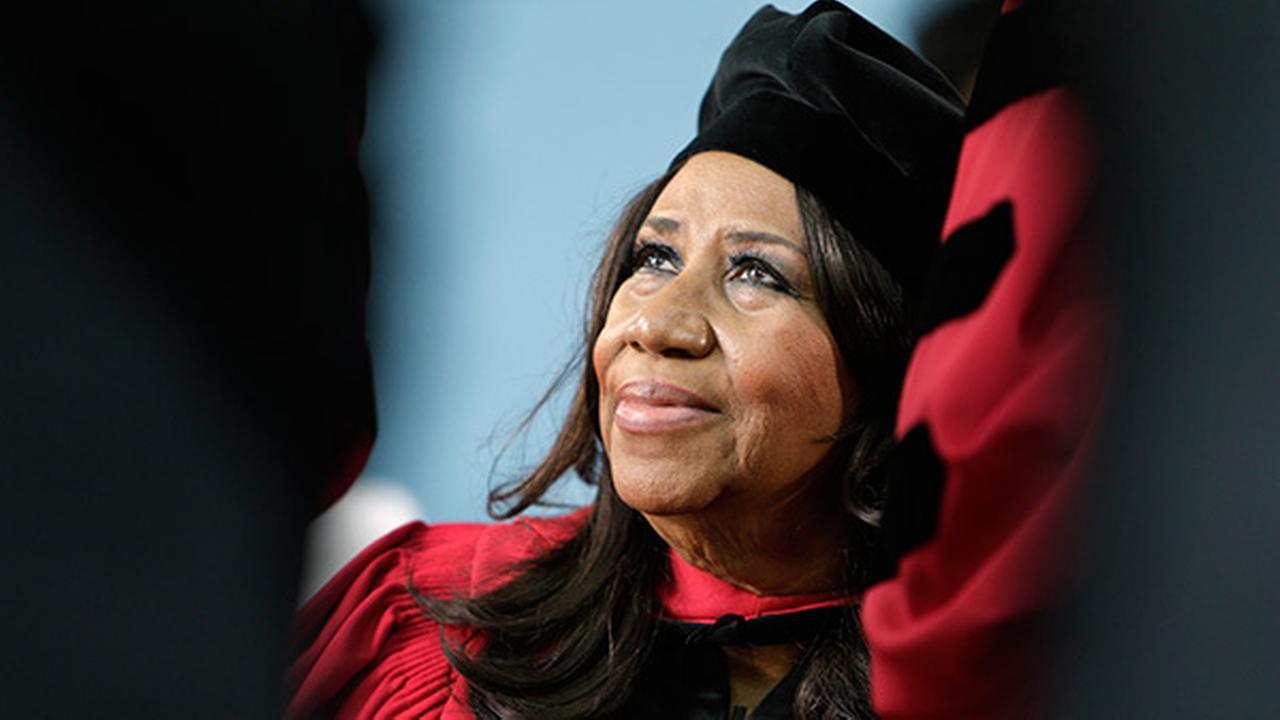 Aretha Franklin slams servers D-I-S-R-E-S-P-E-C-T