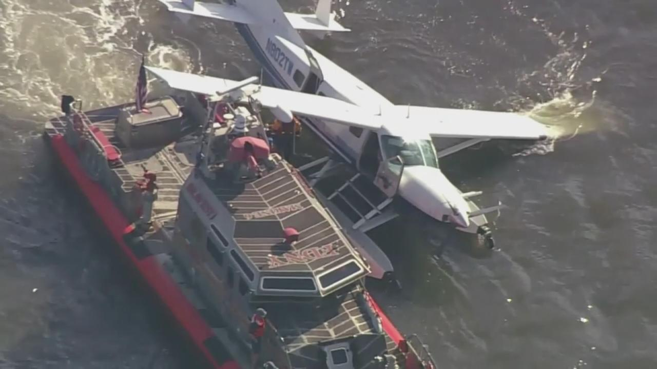 Broken pontoon leads to rescue from seaplane in East River