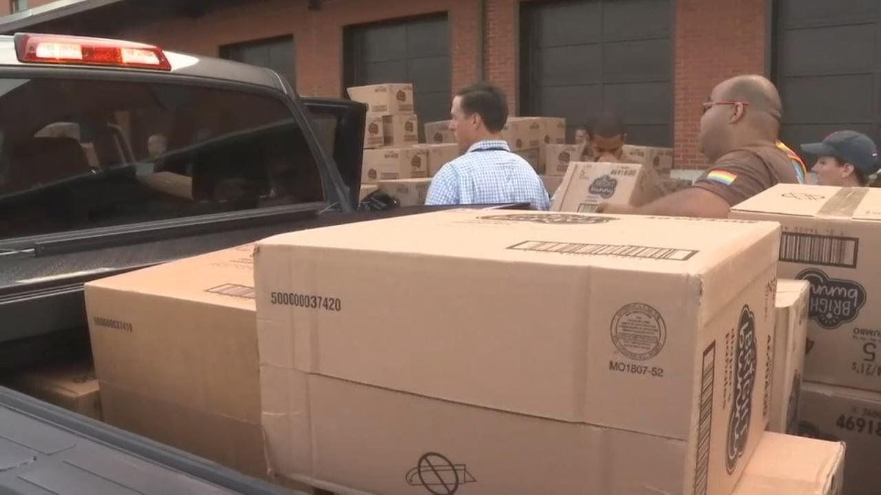 Diaper giveaway in South Philadelphia helps low-income families