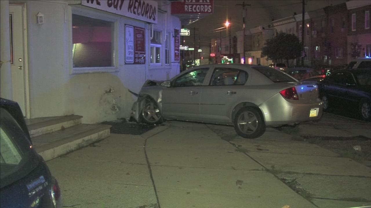 Car hits store in South Philly