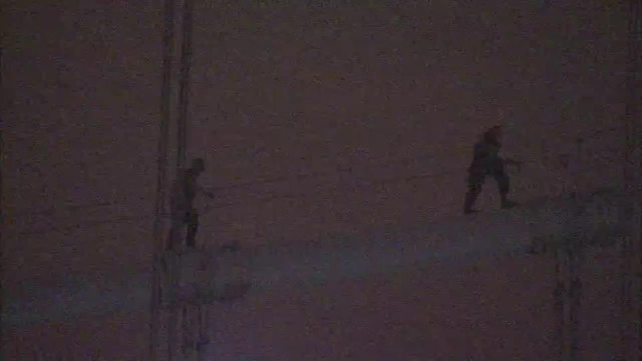 Photographers charged after climbing atop Ben Franklin Bridge