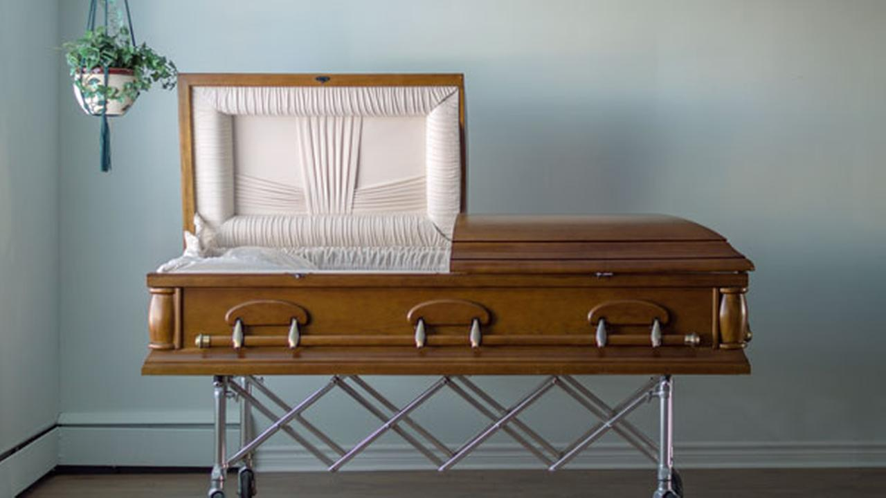 Tennessee funeral home fined for reusing caskets